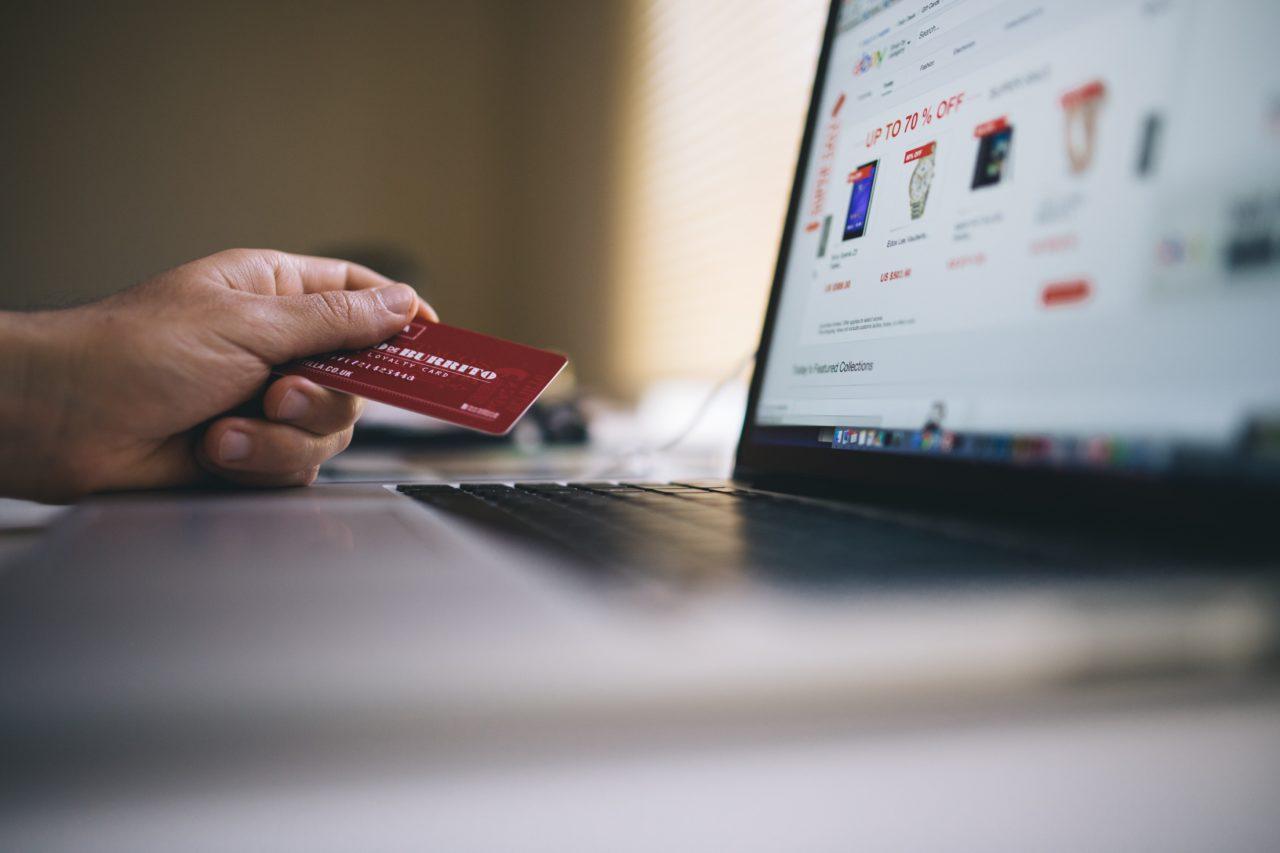 https://mdlcredit.com/wp-content/uploads/2019/11/black-friday-buy-credit-card-34577-min-1280x853.jpg